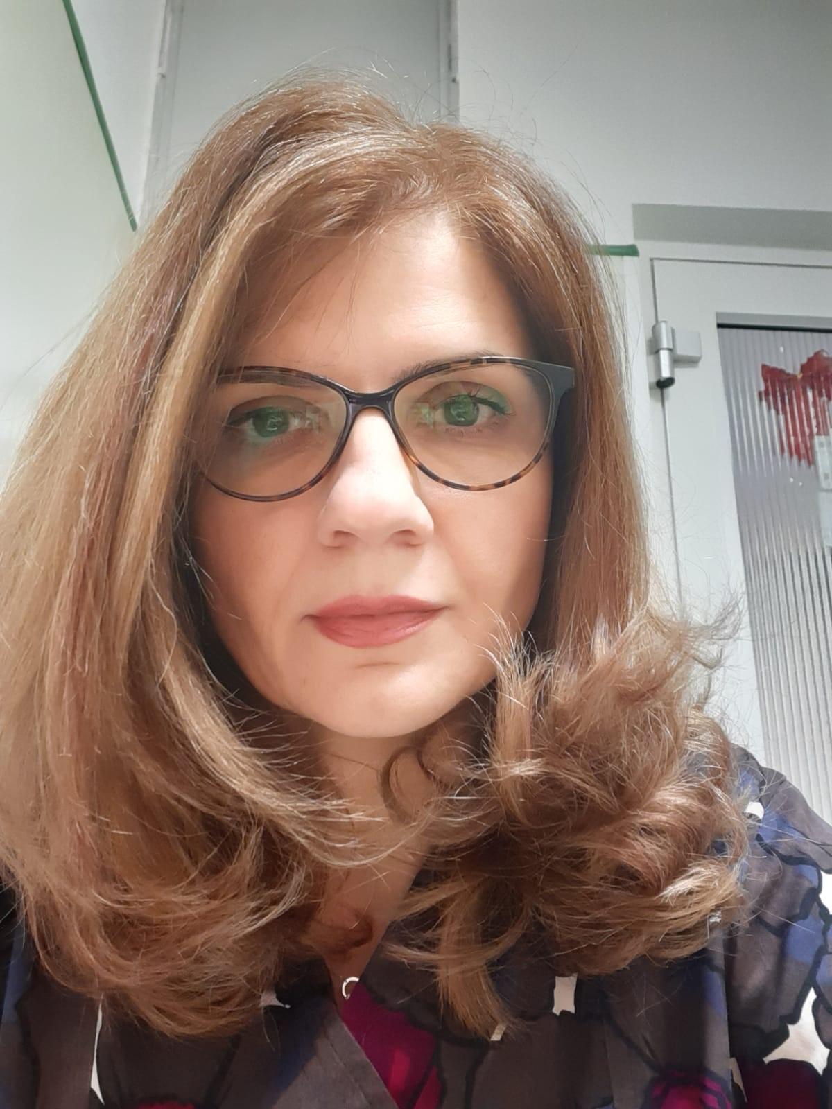 DR. ROXANA POSTOLICA