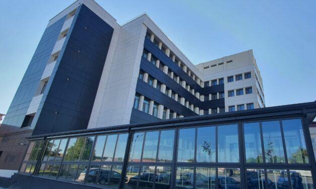 Creștere istorică a valorii contractului de servicii pentru Spitalul din Buhuși în anul 2021-2022